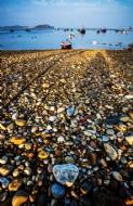 宝石铺满海岸的地方